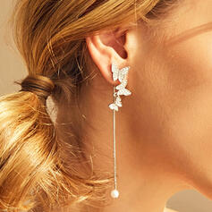Shining Butterfly Shaped Link & Chain Tassels Design Alloy Rhinestones With Rhinestones Earrings 2 PCS