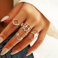 Fashionable Layered Alloy Rings 8 PCS