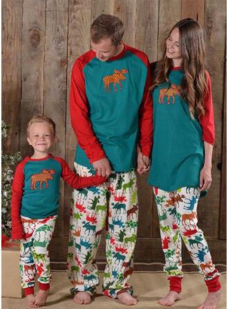 Color-block Deer Family Matching Christmas Pajamas