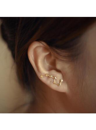 Simple Star Shaped Alloy Women's Earrings 2 PCS